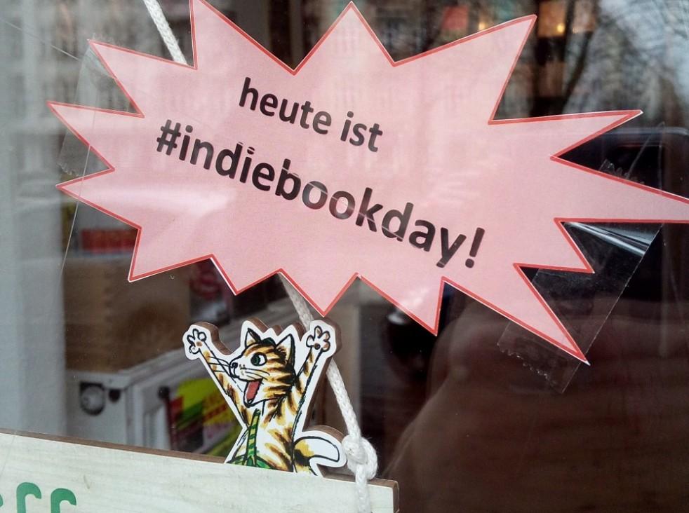 eine kleine feine buchhandlung in friedrichshain b cher in berlin part 5. Black Bedroom Furniture Sets. Home Design Ideas